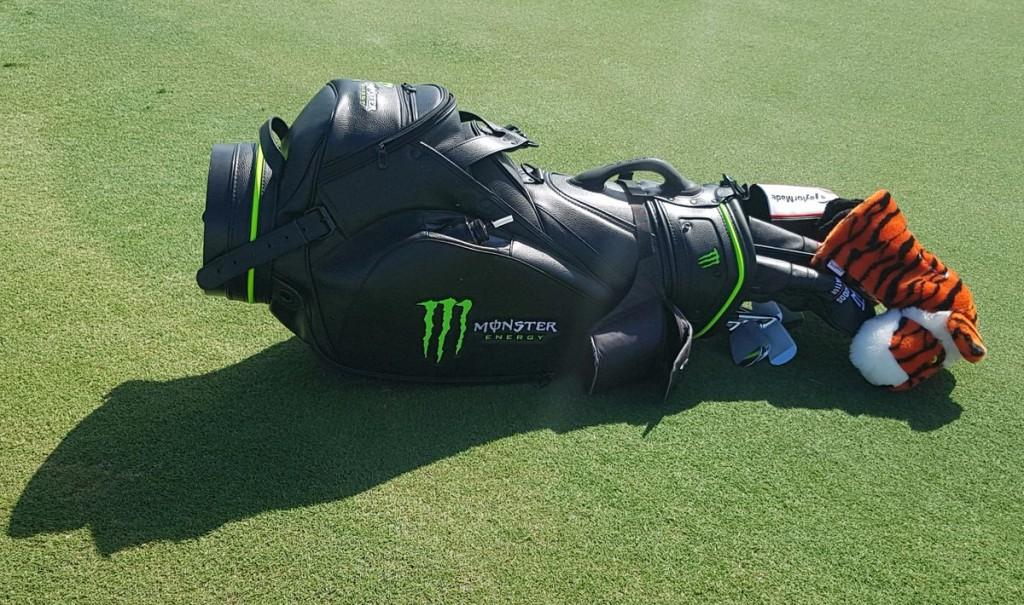 monster-energy-tiger-woods-golf-sponsor-bag