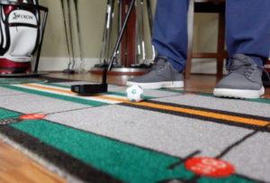 The explanar putting mat